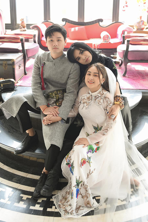 Đám cưới con gái Thanh Lam: Hồng Nhung công khai sánh đôi bên bạn trai ngoại quốc, Mỹ Linh và dàn sao đình đám cùng góp mặt - Ảnh 5.