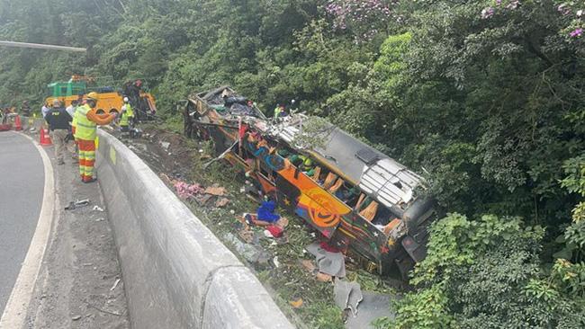Tai nạn xe bus thảm khốc tại Brazil khiến 52 người thương vong - Ảnh 1.