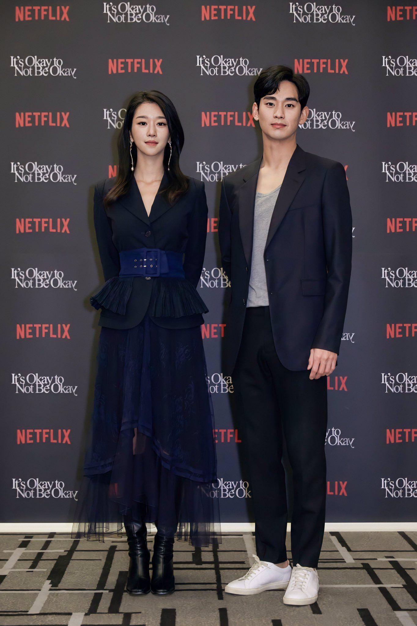 Seo Ye Ji: Mỹ nhân chuyên diện đồ đen - trắng lên thảm đỏ - Ảnh 12.