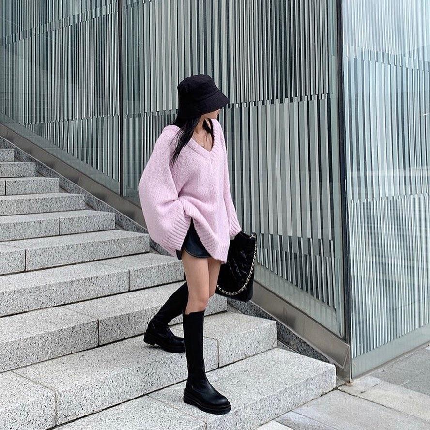 """12 cách diện boots cao đến gối được những nàng sành mặc mê nhất lúc này, update ngay để không """"tụt trend"""" bạn ơi - Ảnh 4."""