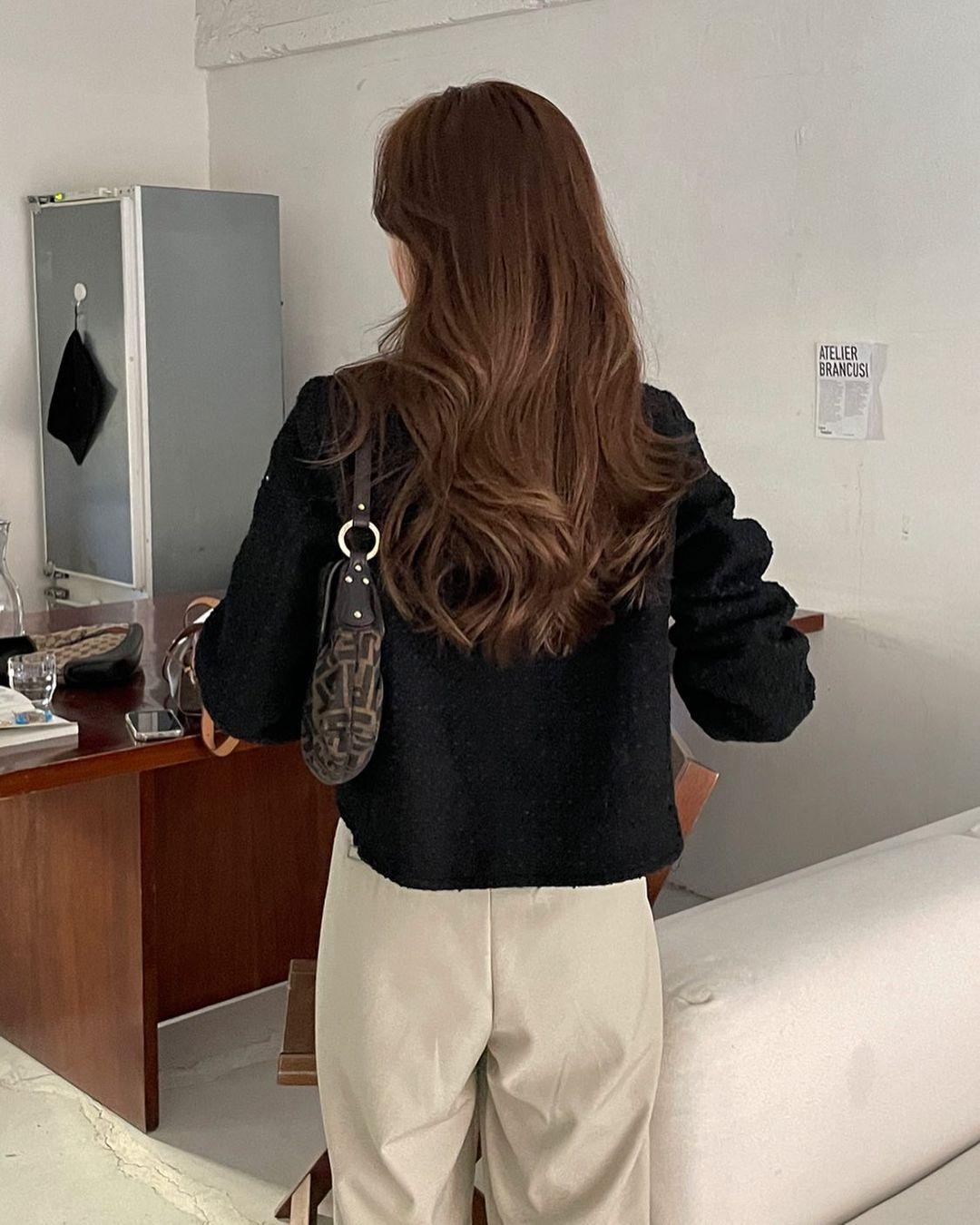 Chuyên gia Hàn Quốc hé lộ cách chăm sóc tóc chuẩn chỉnh giúp tóc bồng bềnh như mới đi tạo kiểu ngoài tiệm - Ảnh 2.
