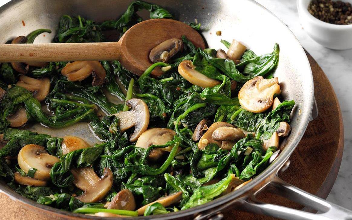 Muốn có làn da căng bóng đón Tết, bác sĩ da liễu khuyên nên ăn nhiều loại thực phẩm này để bổ sung collagen tự nhiên cho cơ thể