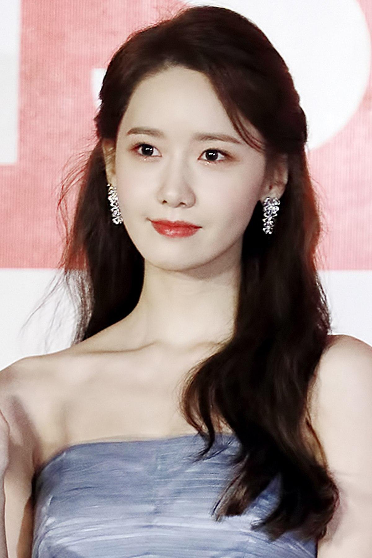 Diện tóc mái giả, Yoona từng bị hại ngượng chín mặt, đến Taeyeon cũng sững người vì bất ngờ - Ảnh 8.