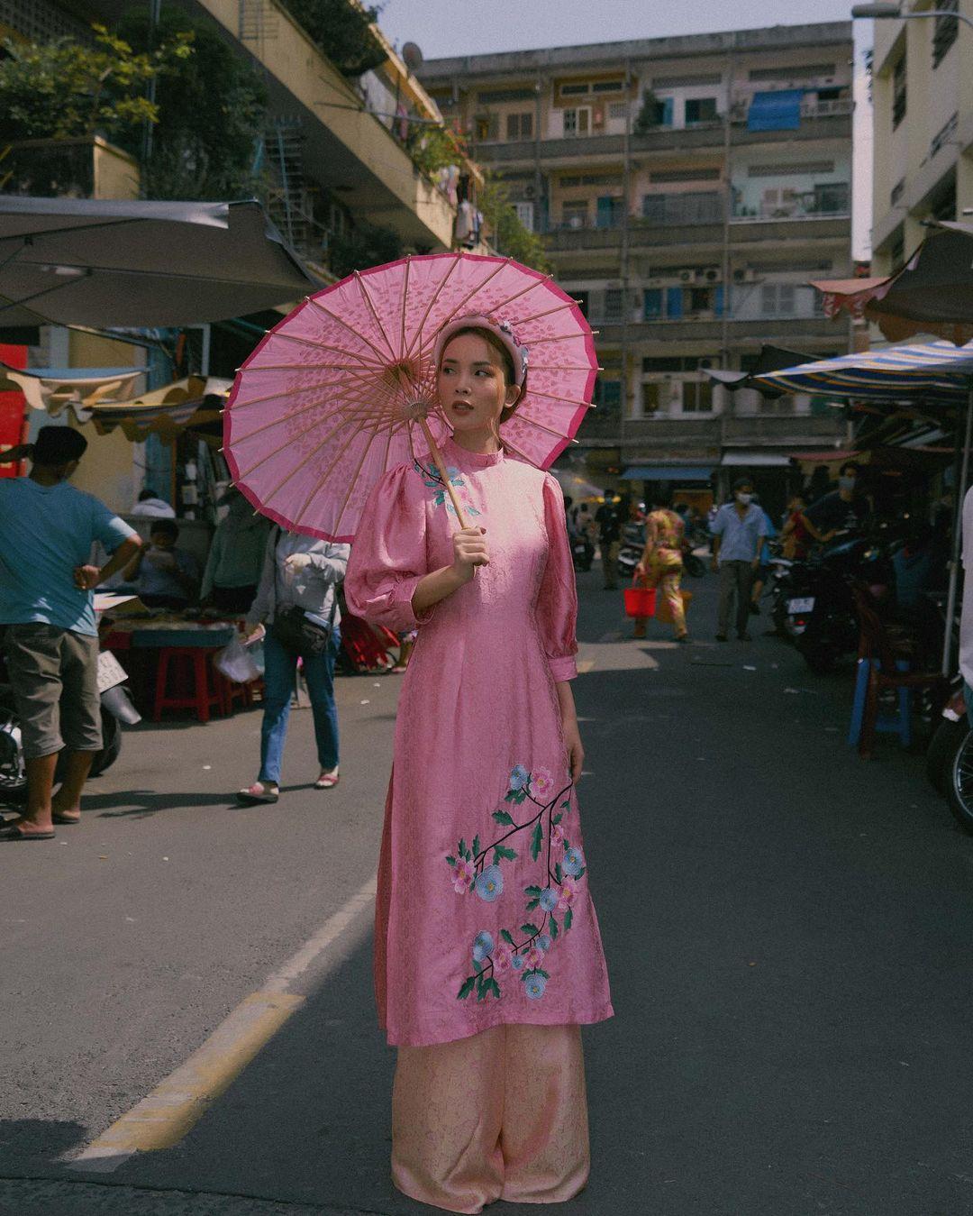 Sao Việt rộn ràng diện áo dài đón Tết sớm, kiểu hot hit nhất năm nay nằm cả ở chi tiết này - Ảnh 3.