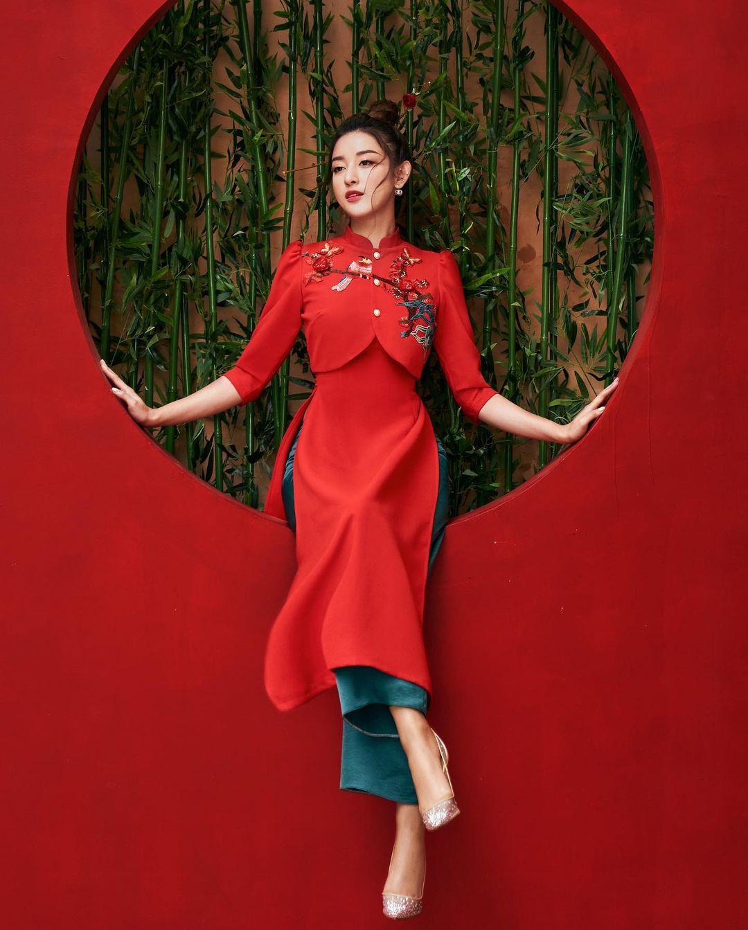 Sao Việt rộn ràng diện áo dài đón Tết sớm, kiểu hot hit nhất năm nay nằm cả ở chi tiết này - Ảnh 11.