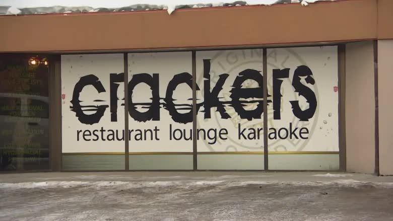 Bất chấp lệnh cấm, quán karaoke tổ chức sự kiện gây siêu lây nhiễm Covid-19 với hàng chục ca mắc mới, bị xử phạt hơn 300 triệu đồng - Ảnh 1.