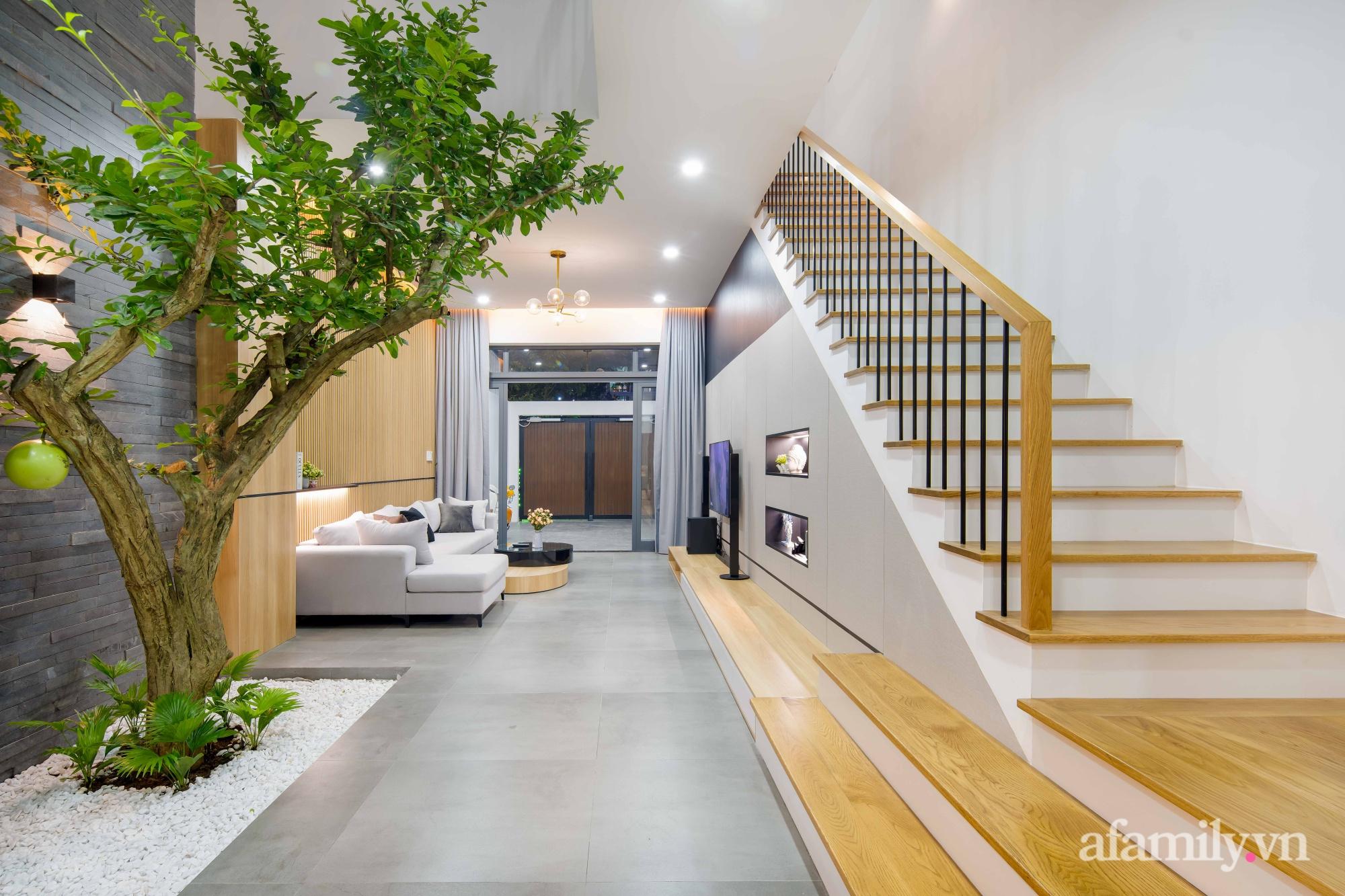 Nhà phố 3 tầng đẹp hiện đại với phong cách tối giản ngập tràn ánh sáng và cây xanh ở Đà Nẵng - Ảnh 7.