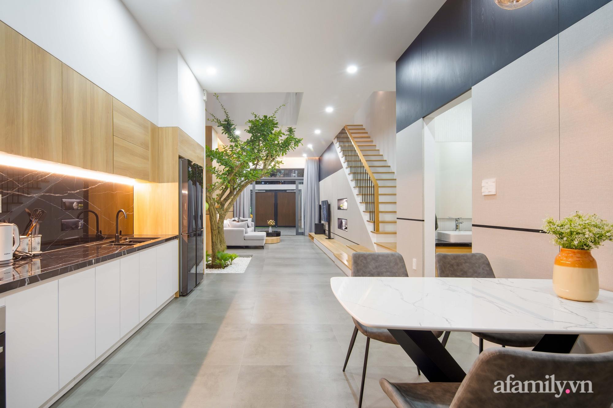 Nhà phố 3 tầng đẹp hiện đại với phong cách tối giản ngập tràn ánh sáng và cây xanh ở Đà Nẵng - Ảnh 12.