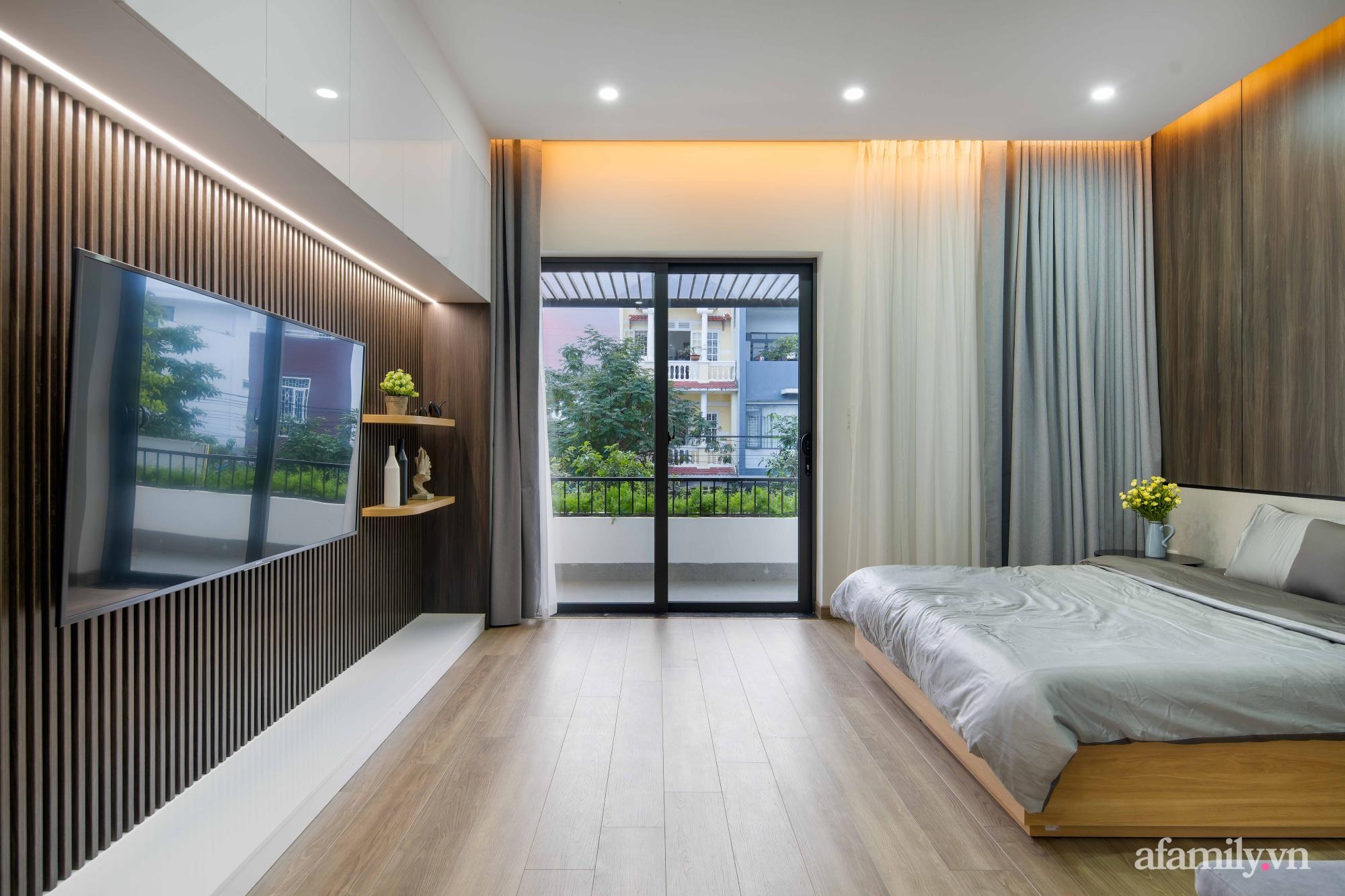 Nhà phố 3 tầng đẹp hiện đại với phong cách tối giản ngập tràn ánh sáng và cây xanh ở Đà Nẵng - Ảnh 14.