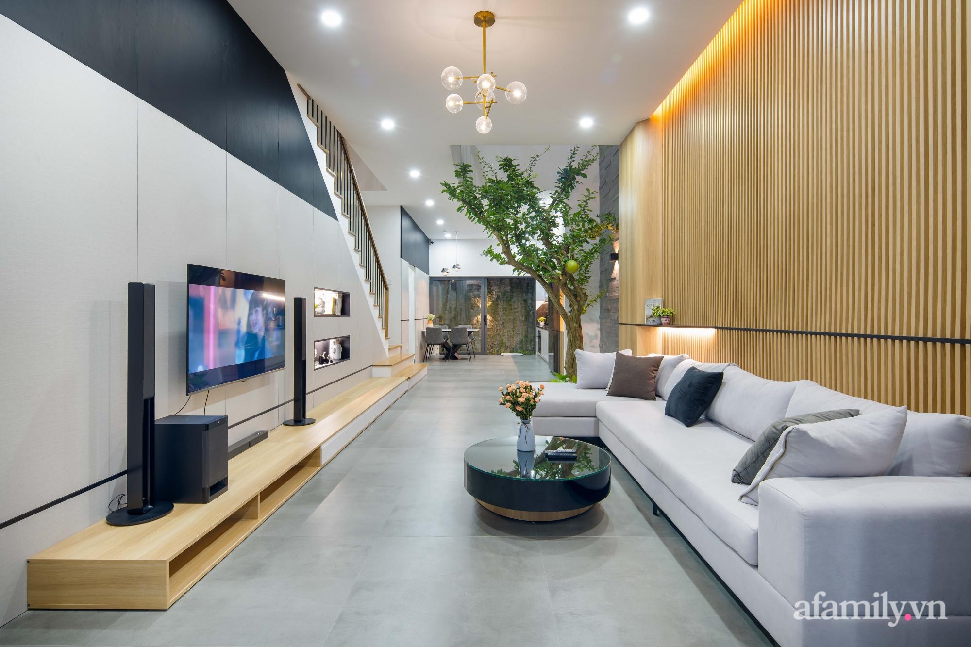 Nhà phố 3 tầng đẹp hiện đại với phong cách tối giản ngập tràn ánh sáng và cây xanh ở Đà Nẵng - Ảnh 5.