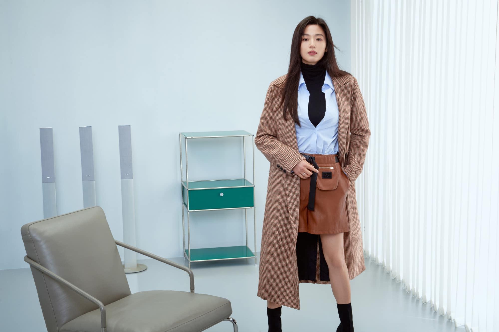 Hóng 10 set đồ của Jeon Ji Hyun, chị em nhặt ra khối tip lên đồ ưng mắt vừa sang vừa trẻ cho mùa lạnh - Ảnh 4.