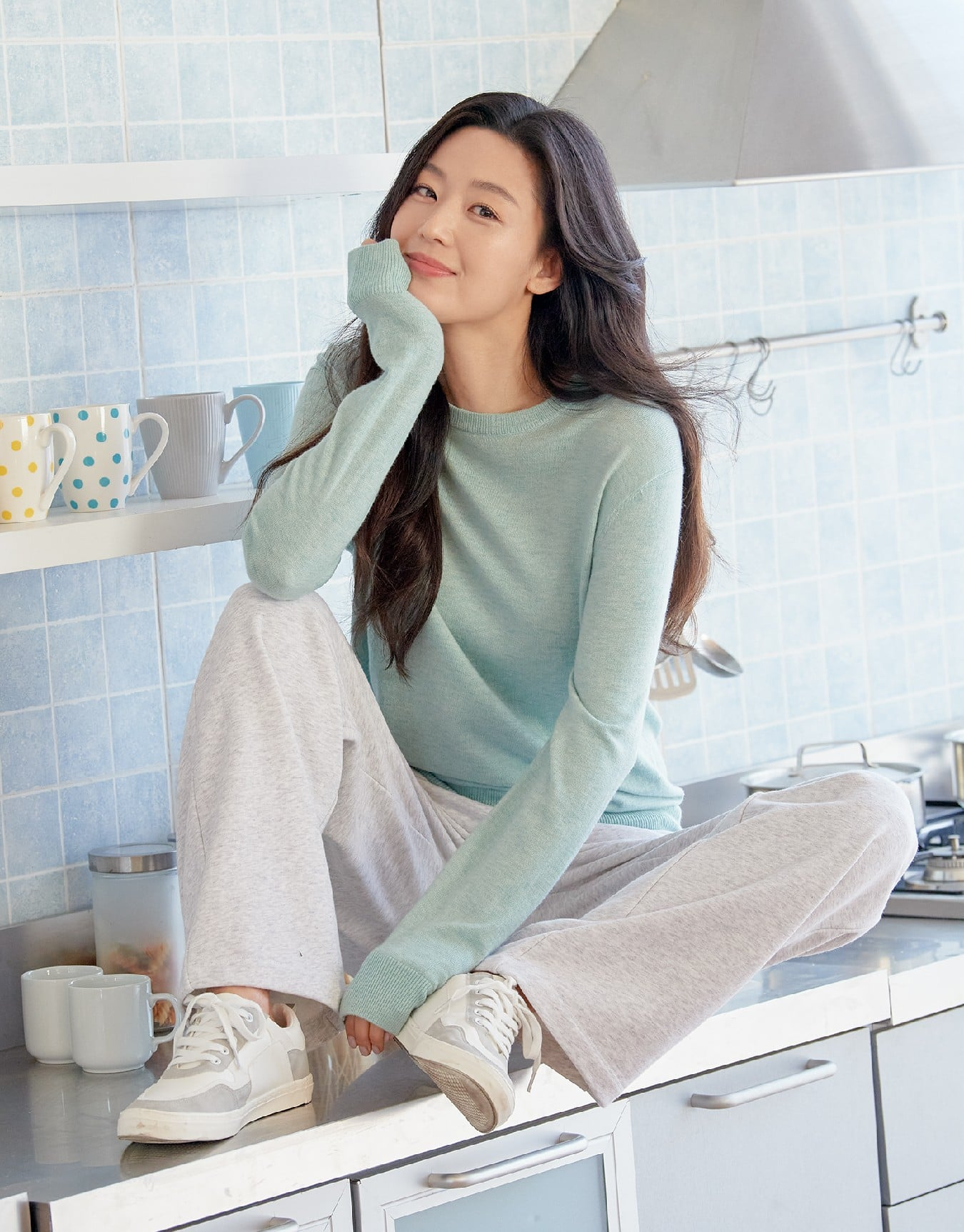 Hóng 10 set đồ của Jeon Ji Hyun, chị em nhặt ra khối tip lên đồ ưng mắt vừa sang vừa trẻ cho mùa lạnh - Ảnh 8.