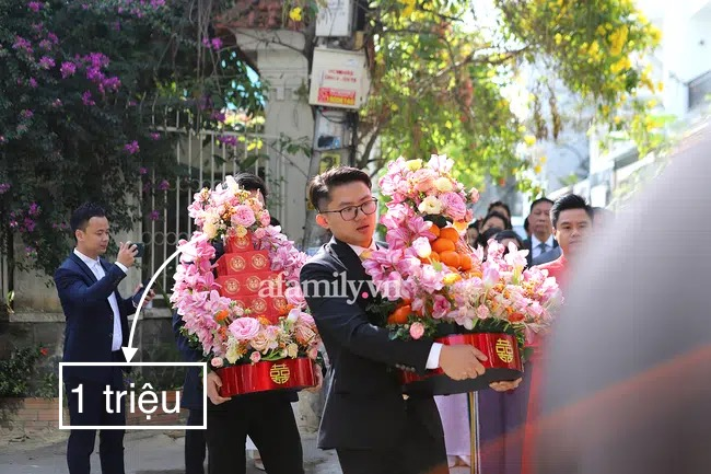 """""""Bóc"""" giá hoa cưới Phan Thành - Primmy Trương: """"Sương sương"""" hoa tươi cũng giá vài trăm triệu  - Ảnh 5."""