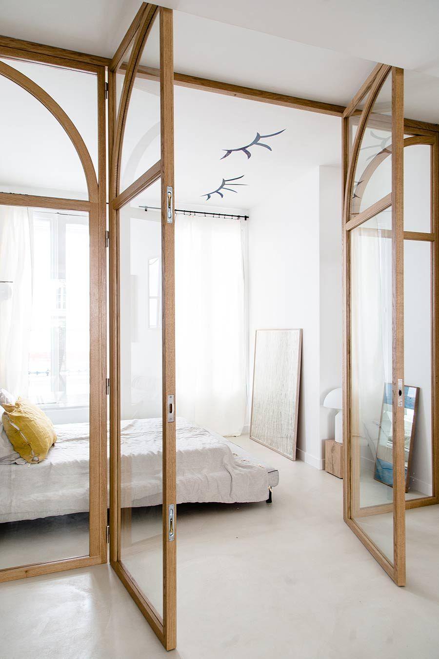 10 mẫu phòng ngủ lý tưởng với vách ngăn bằng kính với không gian còn lại trong nhà - Ảnh 4.