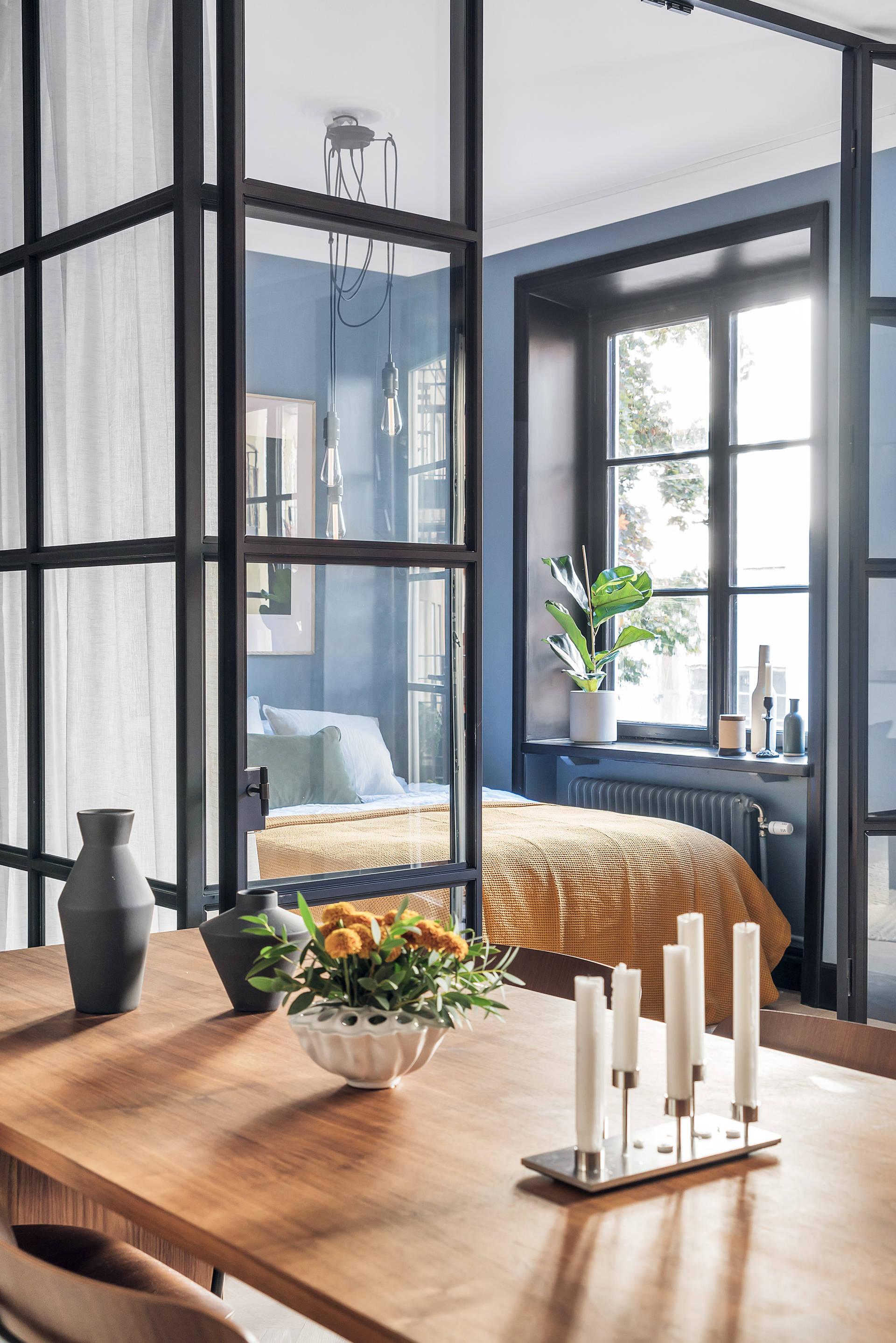 10 mẫu phòng ngủ lý tưởng với vách ngăn bằng kính với không gian còn lại trong nhà - Ảnh 5.