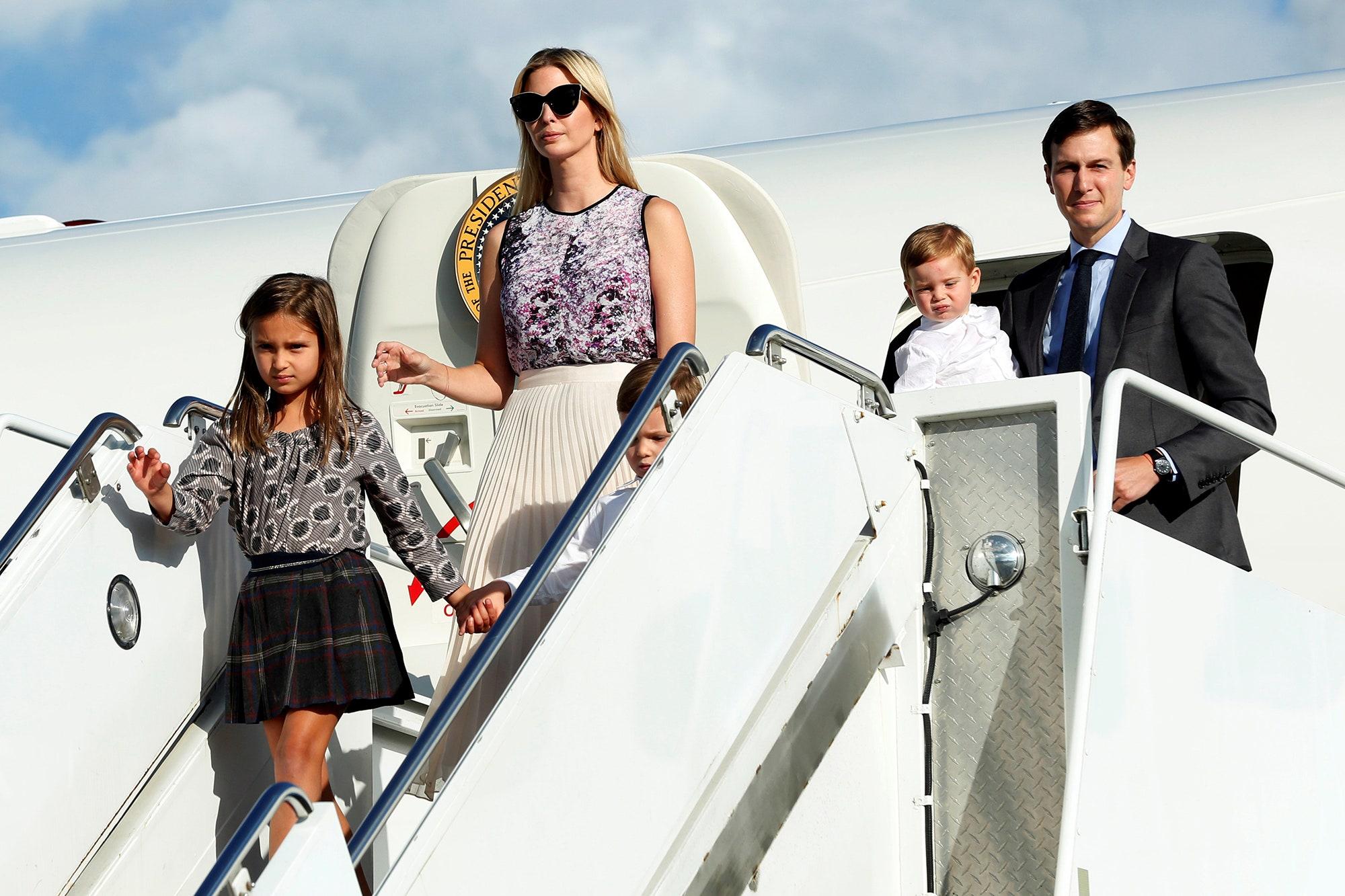 Gái rượu của ái nữ nhà Trump: 8 tuổi cao 1m60, gương mặt giống mẹ như tạc - Ảnh 7.
