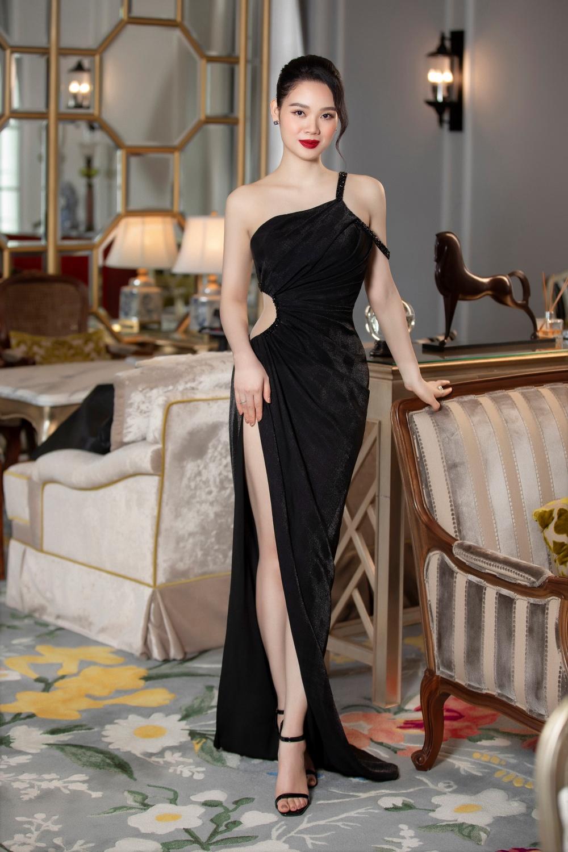Nàng Hậu kín tiếng nhất Vbiz: U40 vẫn gợi cảm thách thức ánh nhìn trong những thiết kế đầm dạ hội ôm sát  - Ảnh 6.
