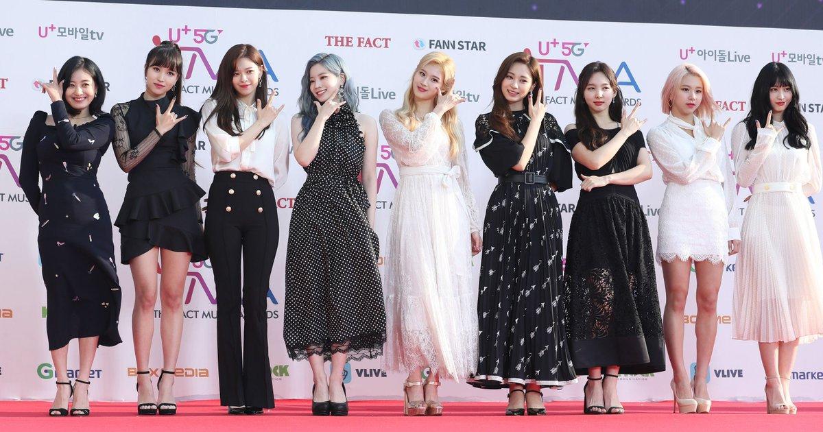 """Nghịch lý style thảm đỏ của Twice: Tách riêng thì đẹp, đứng chung cả nhóm lại thành lôm côm """"như rạp xiếc"""" - Ảnh 8."""