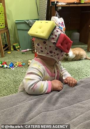 Bảo vệ đầu cho con trong giai đoạn tập đi mà không tốn tiền mua? Học tập ngay bà mẹ thông minh này - Ảnh 4.