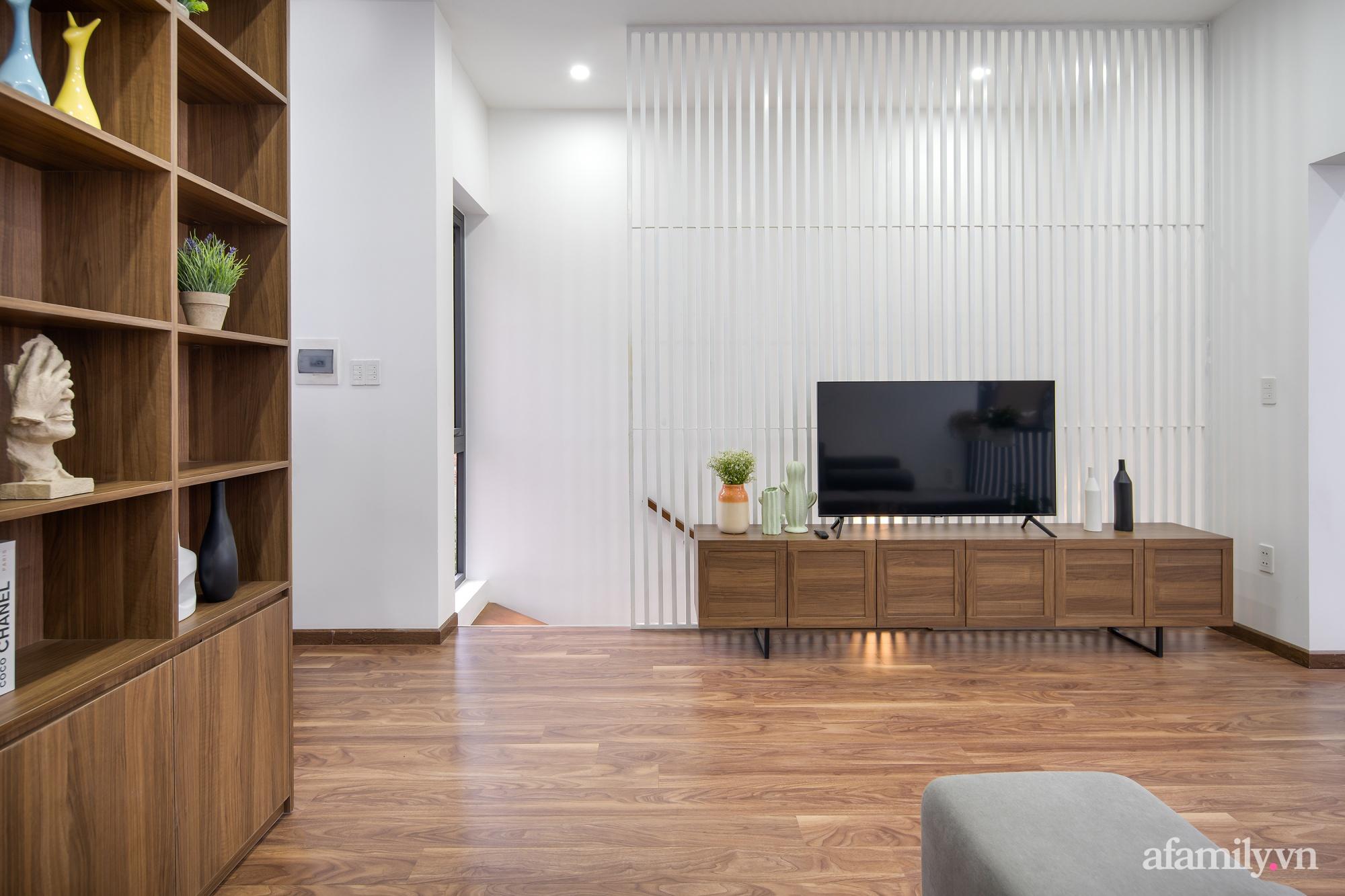 Nhà trong hẻm nhỏ vẫn ngập tràn ánh sáng, duyên dáng với nội thất tối giản ở Đà Nẵng - Ảnh 24.
