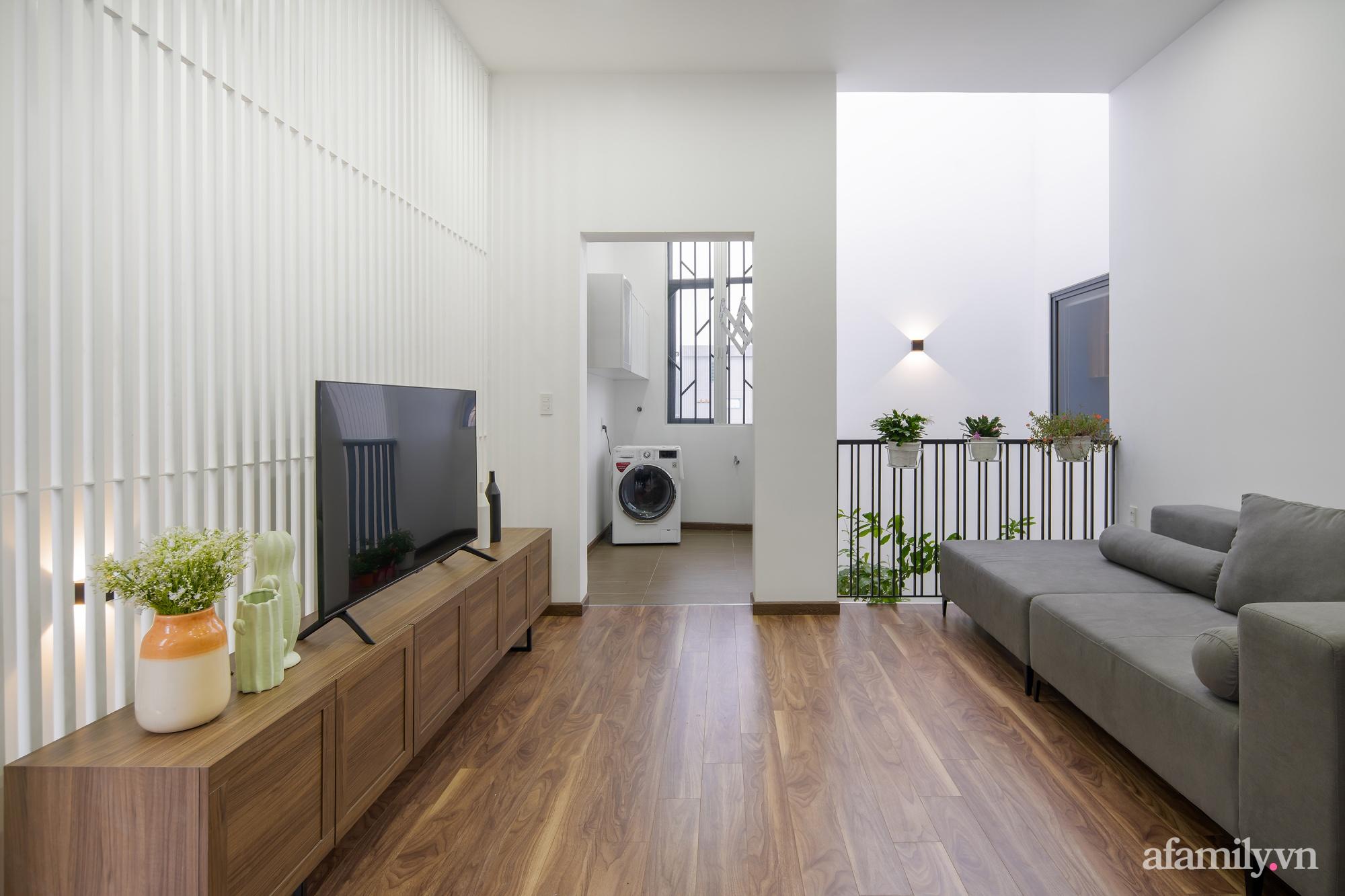 Nhà trong hẻm nhỏ vẫn ngập tràn ánh sáng, duyên dáng với nội thất tối giản ở Đà Nẵng - Ảnh 25.