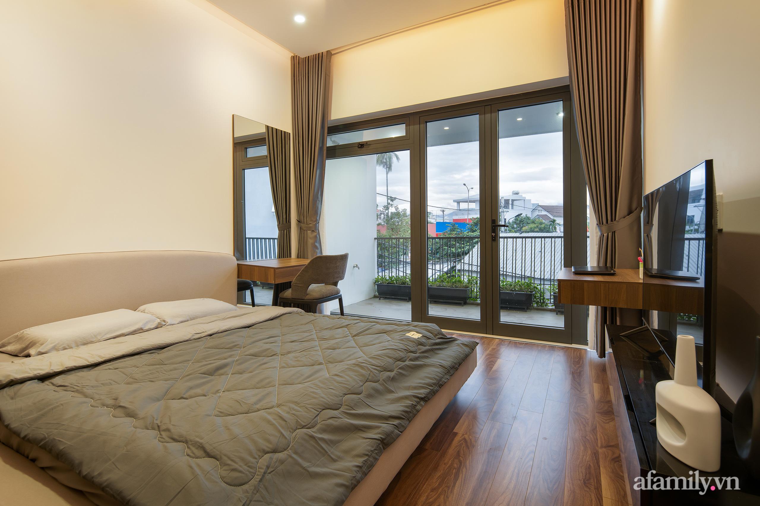 Nhà trong hẻm nhỏ vẫn ngập tràn ánh sáng, duyên dáng với nội thất tối giản ở Đà Nẵng - Ảnh 16.