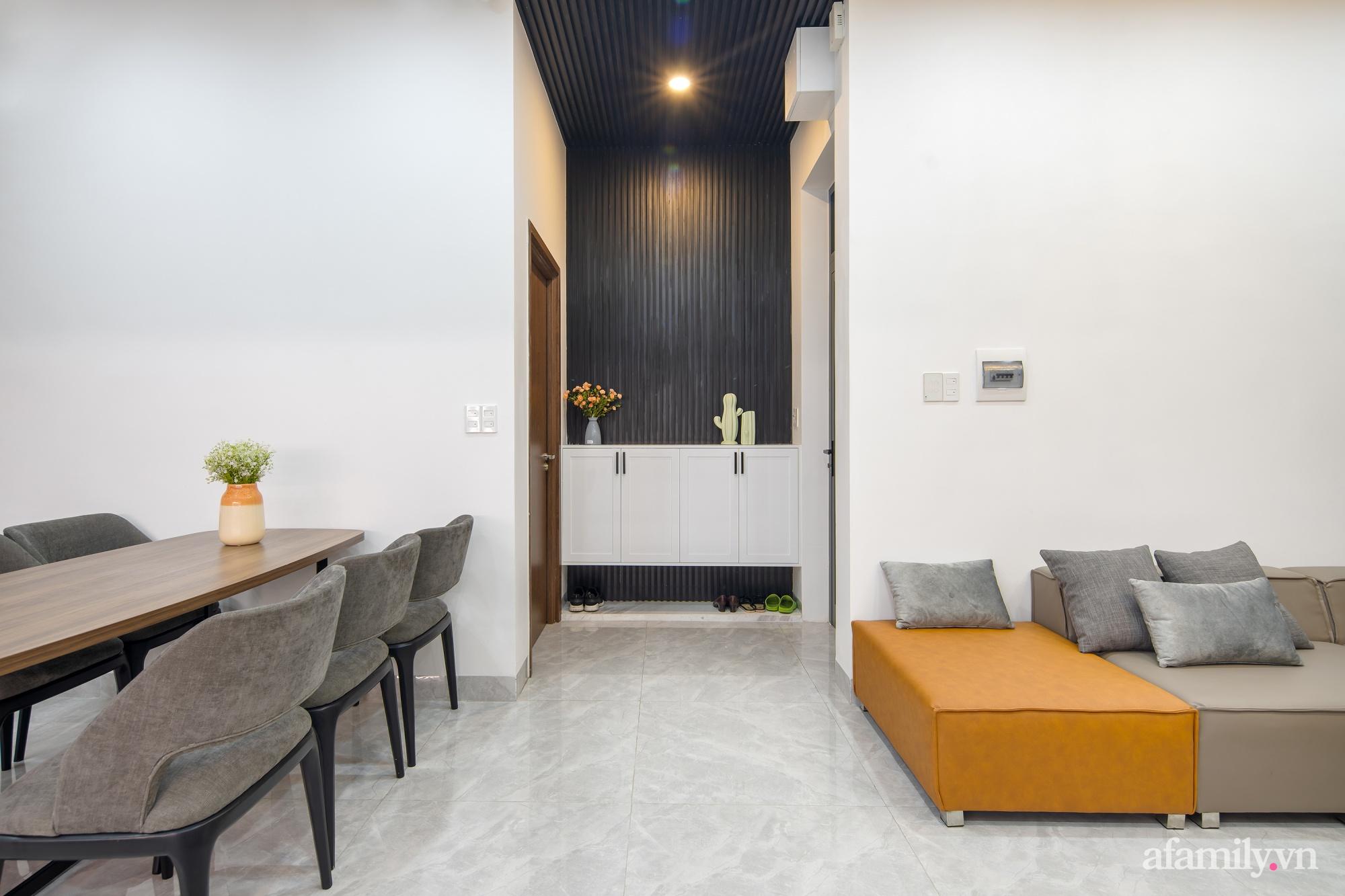 Nhà trong hẻm nhỏ vẫn ngập tràn ánh sáng, duyên dáng với nội thất tối giản ở Đà Nẵng - Ảnh 6.