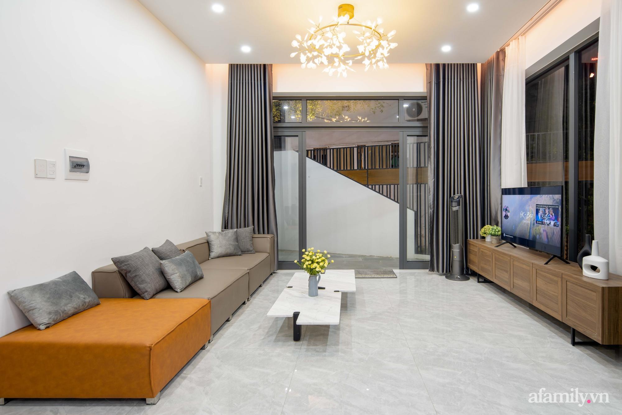 Nhà trong hẻm nhỏ vẫn ngập tràn ánh sáng, duyên dáng với nội thất tối giản ở Đà Nẵng - Ảnh 5.