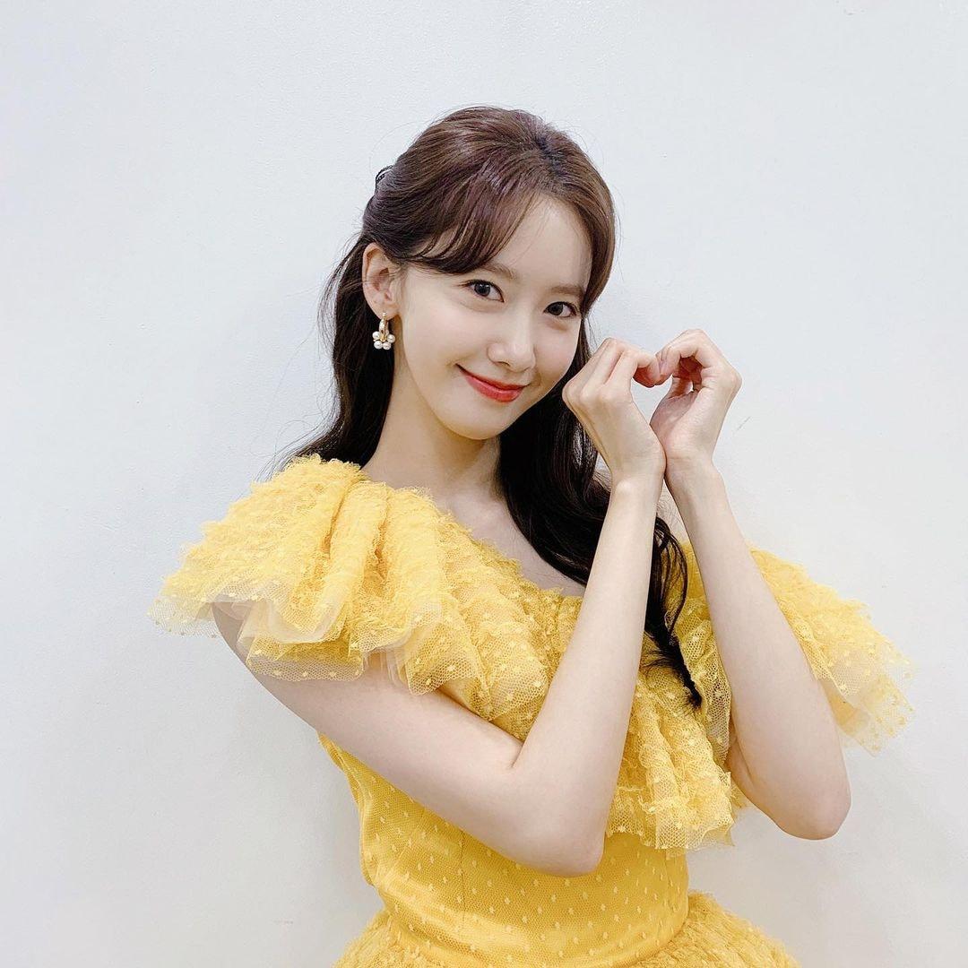 Màn đụng hàng cân não nhất đầu năm của Jisoo - Yoona: Người như công chúa Disney, người cá tính mà vẫn xinh ra trò - Ảnh 3.