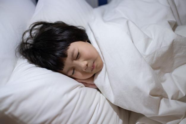 Vào mùa đông, trẻ hay bị cảm lạnh nhưng không phải do nhiễm lạnh, có 4 nguyên nhân sau mà cha mẹ ít chú ý - Ảnh 6.