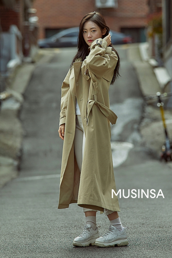 Mix & Phối - Hội mặc đẹp đưa ra loạt dẫn chứng cực xịn về lý do chọn 3 kiểu giày này khi mặc áo khoác dáng dài - chanvaydep.net 6