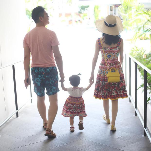 """""""Hotgirl trà sữa"""" và cuộc hôn nhân với tỷ phú hơn 19 tuổi: Cưới được 6 tháng đã sinh con, êm ấm vài năm rồi đối mặt với hàng loạt bão táp vì chồng! - Ảnh 10."""