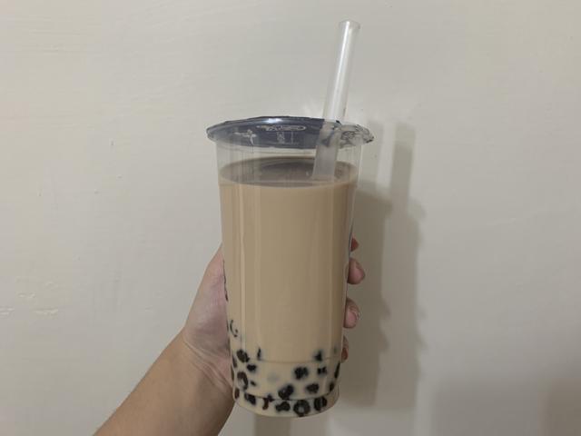 Nữ giáo viên hôn mê, tiểu không tự chủ, huyết tương giống như sữa dâu vì thói quen uống trà sữa  - Ảnh 1.