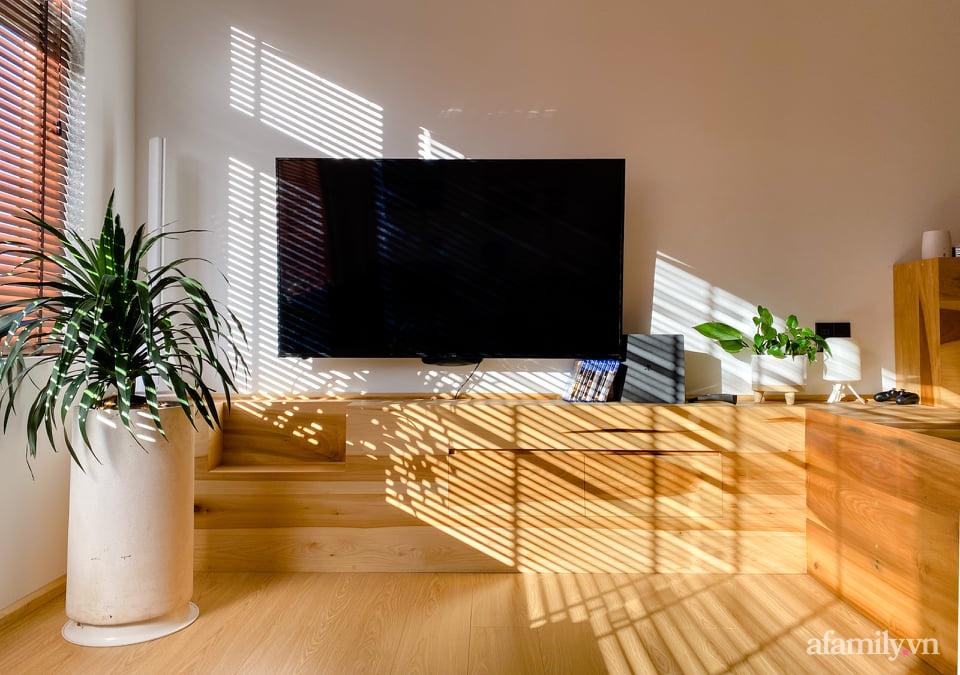 """Căn nhà """"thôi miên"""" bằng nội thất gỗ tự nhiên cùng phong cách tối giản của chàng trai Đà Lạt - Ảnh 3."""