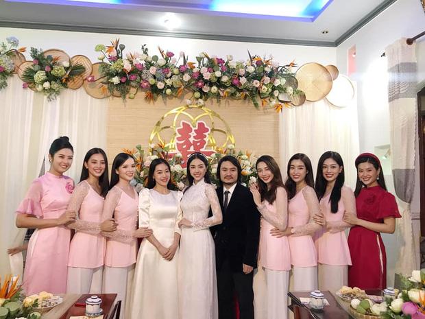 """Á hậu Thúy An đeo vòng vàng ứ cả cổ, kín tay ở đám cưới, netizen gật gù: Lấy chồng là gánh nặng, nhưng """"nặng"""" thế này thì còn gì bằng - Ảnh 7."""