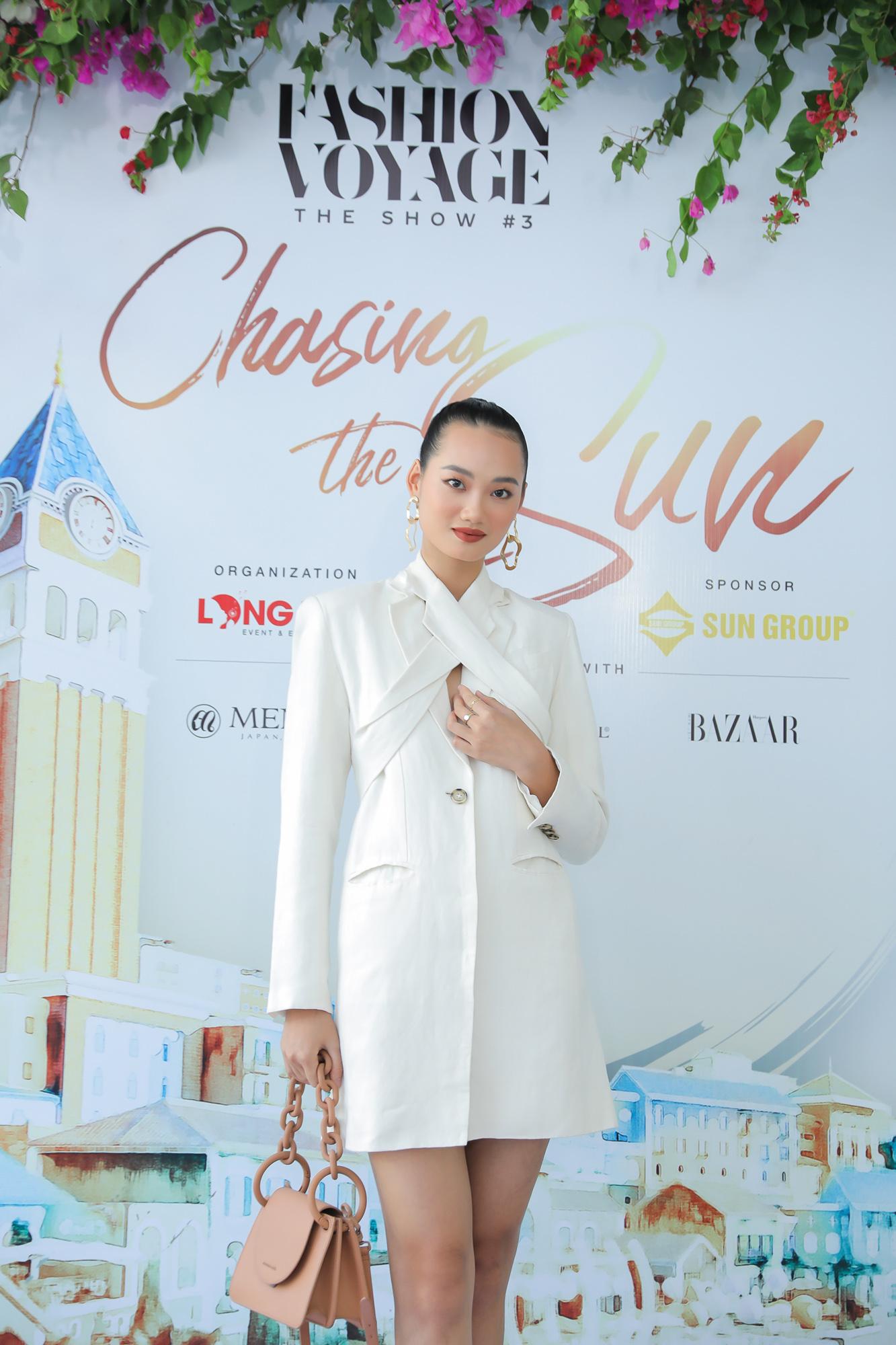 Mix & Phối - Thanh Hằng diện cả cây đồ hiệu, khoe kiểu tóc mới lạ mắt đi dự họp báo thời trang  - chanvaydep.net 4