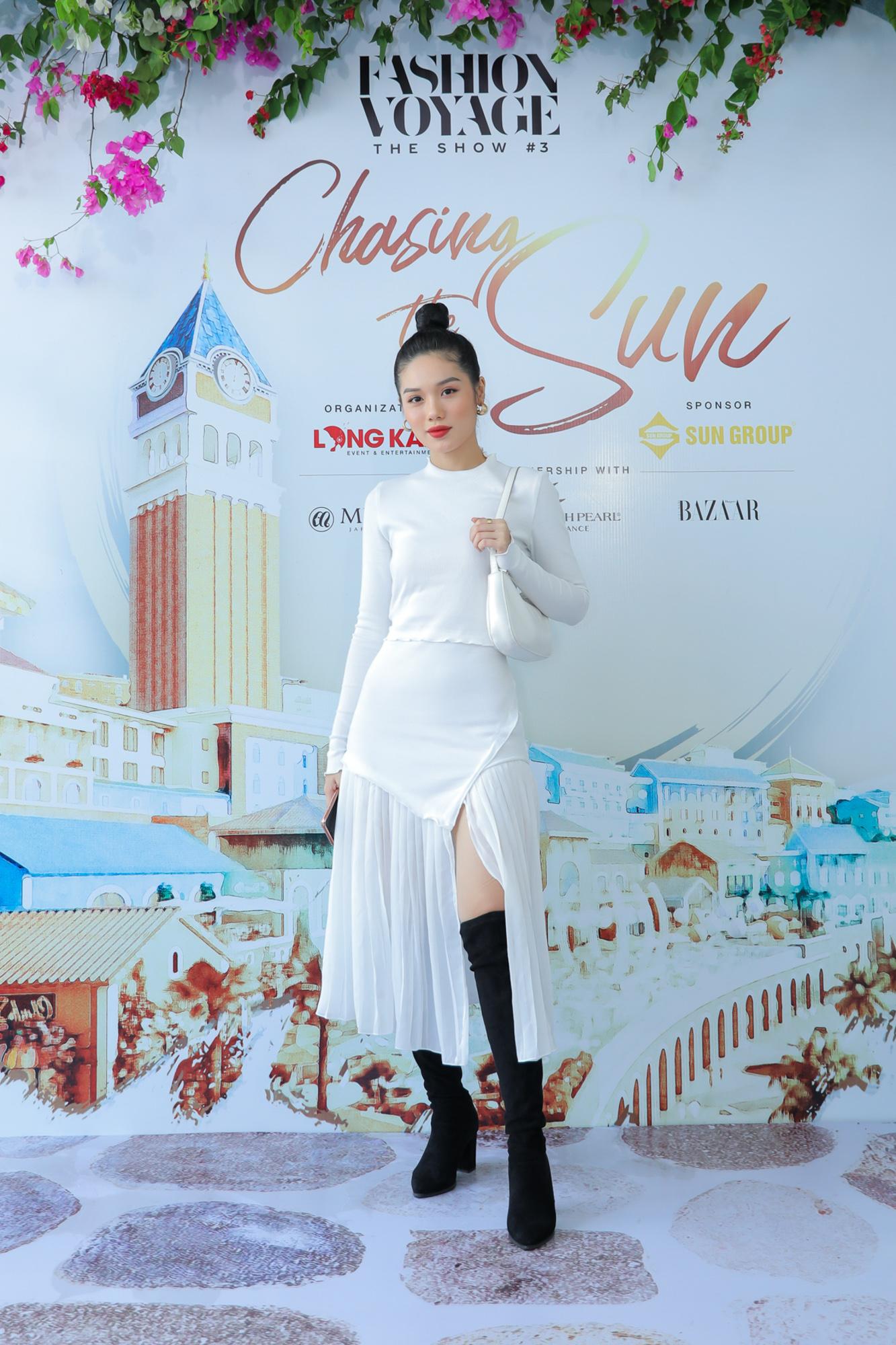 Mix & Phối - Thanh Hằng diện cả cây đồ hiệu, khoe kiểu tóc mới lạ mắt đi dự họp báo thời trang  - chanvaydep.net 3