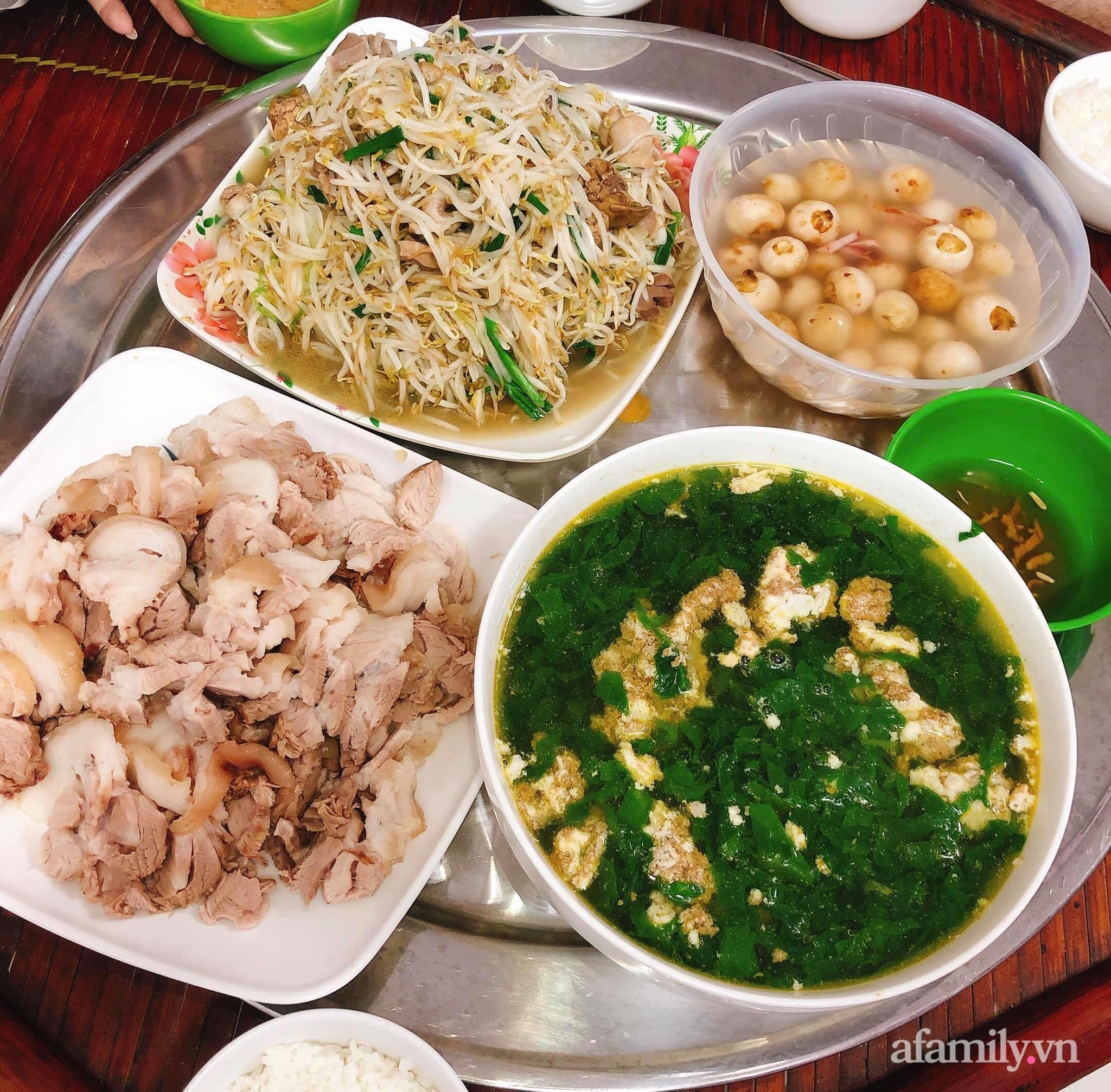 Kinh doanh online bận rộn, mẹ trẻ Hà Nội vẫn chăm chỉ cơm nước cho gia đình, mỗi bữa đầy ắp món ngon cho 5 người mà chi phí chỉ 170K - Ảnh 6.