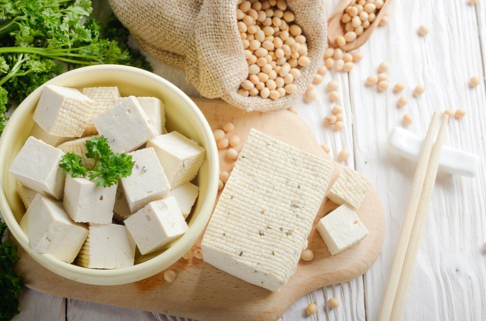 5 thực phẩm chống lão hóa rẻ tiền và cực dễ mua, chị em chăm ăn là da mướt căng mọng nước - Ảnh 3.
