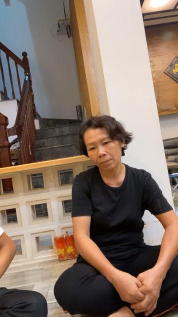 Hồ Văn Cường im lặng cúi đầu khi bị Trang Trần hỏi dồn dập về chuyện ủy quyền để CEO đòi nợ giúp - Ảnh 3.