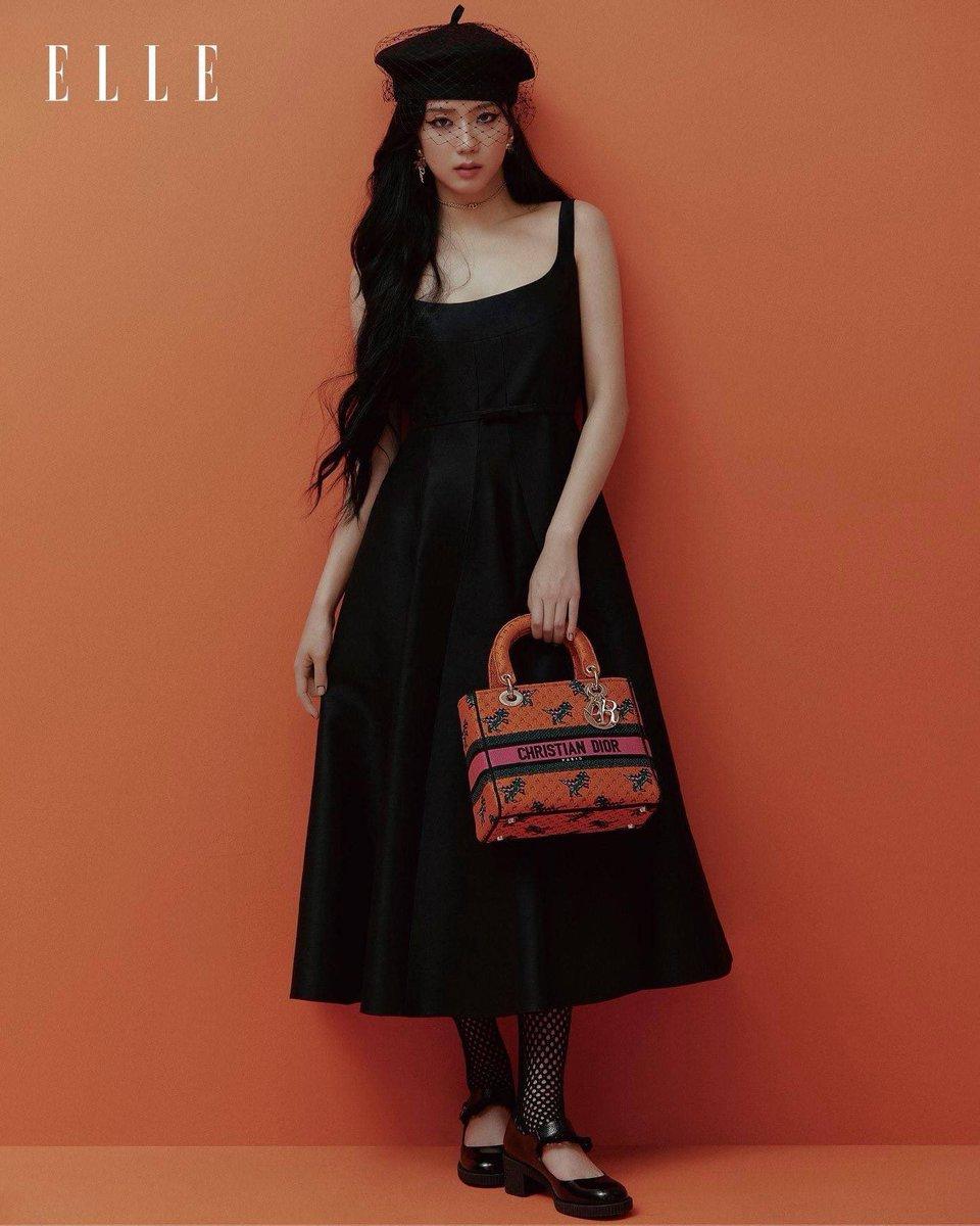 """Jisoo Dior Diện đồ Dior lấy cảm hứng từ Jisoo, Angela Baby và dàn sao Cbiz ngậm ngùi lép vế """"bản gốc""""? - Ảnh 1."""