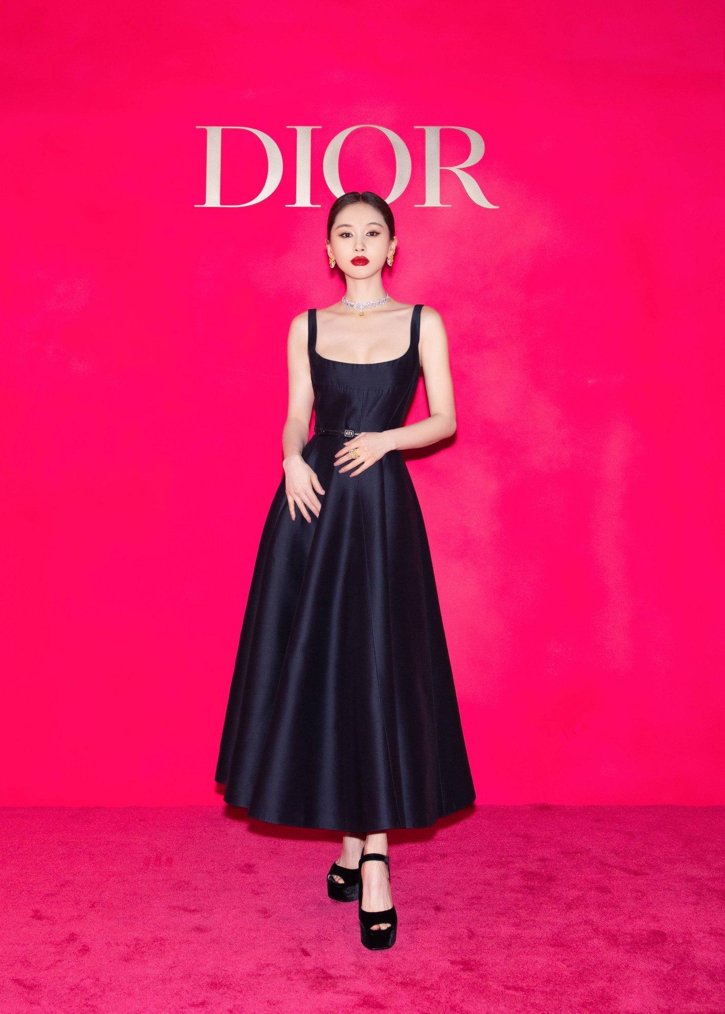 """Jisoo Dior Diện đồ Dior lấy cảm hứng từ Jisoo, Angela Baby và dàn sao Cbiz ngậm ngùi lép vế """"bản gốc""""? - Ảnh 6."""