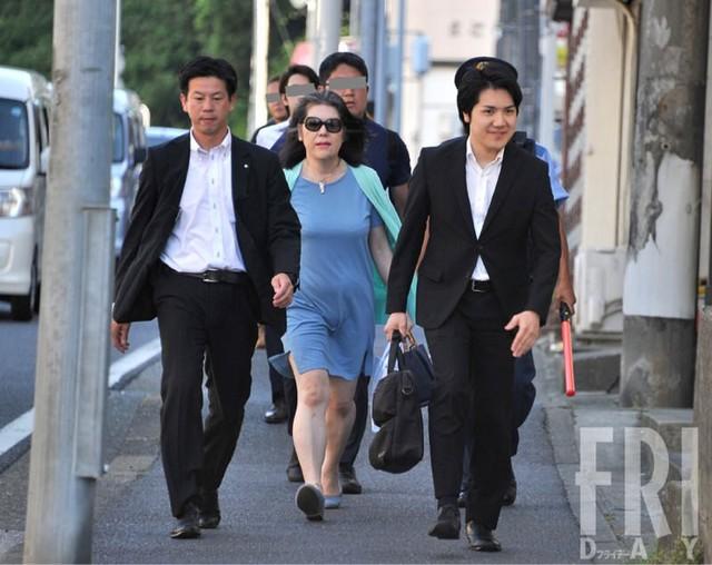 """Bê bối liên tiếp bủa vây vị hôn phu của Công chúa Nhật Bản, hé lộ chân dung """"mẹ chồng"""" khiến cả dư luận lên án - Ảnh 4."""