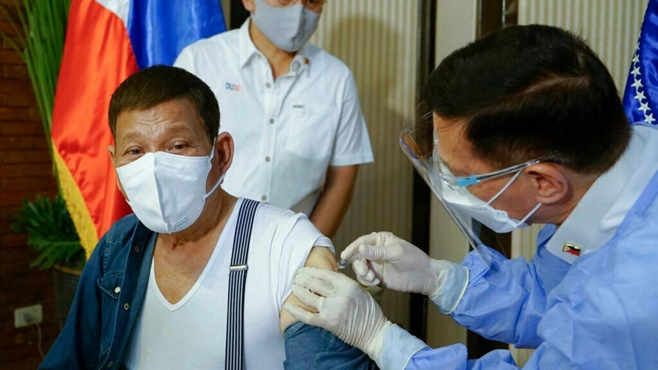 Tổng thống Philippines đề xuất đột nhập vào nhà dân, tiêm lén vaccine COVID-19 khi đang ngủ - Ảnh 1.