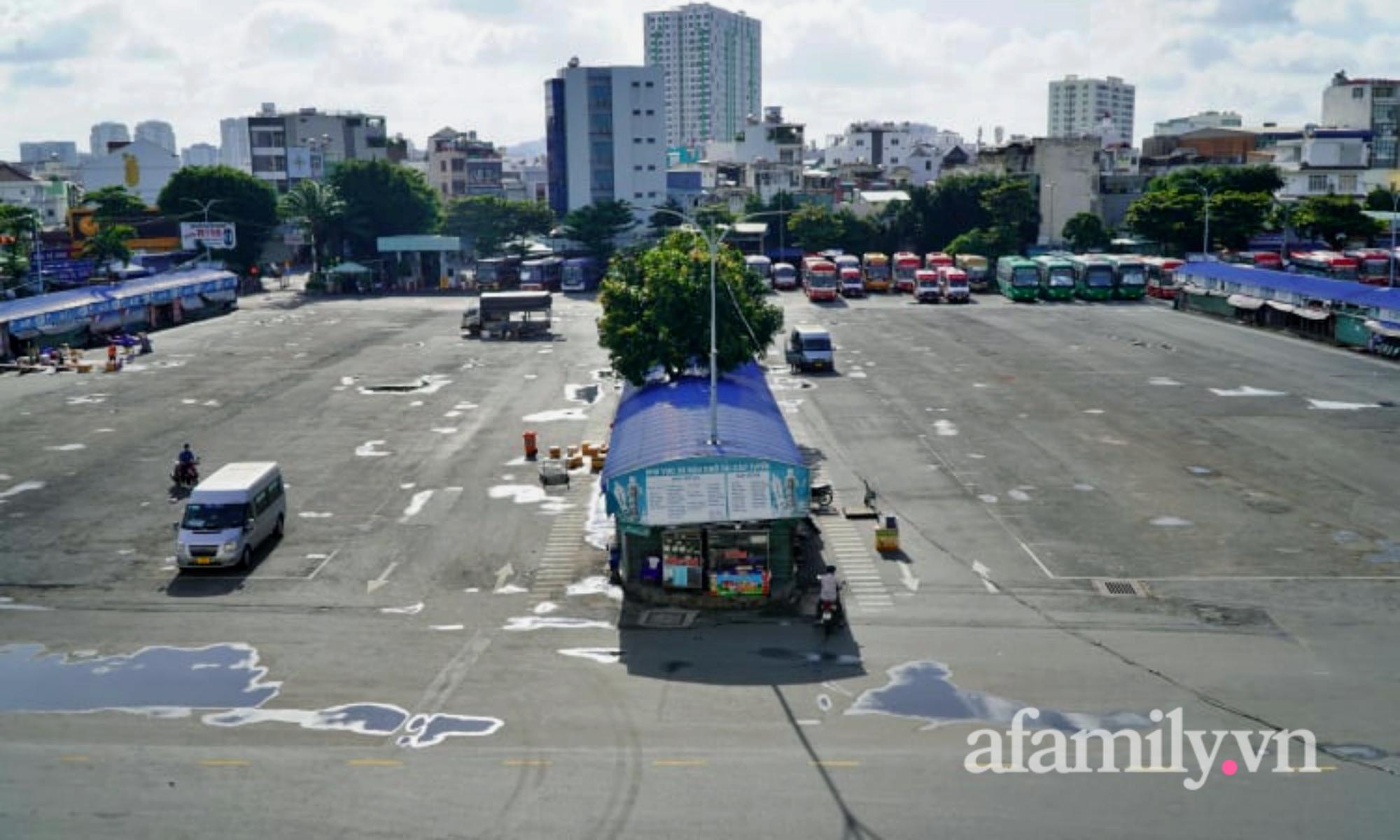 TP.HCM tái khởi động xe lửa, xe khách liên tỉnh: Nơi nhộn nhịp, nơi đìu hiu - Ảnh 3.