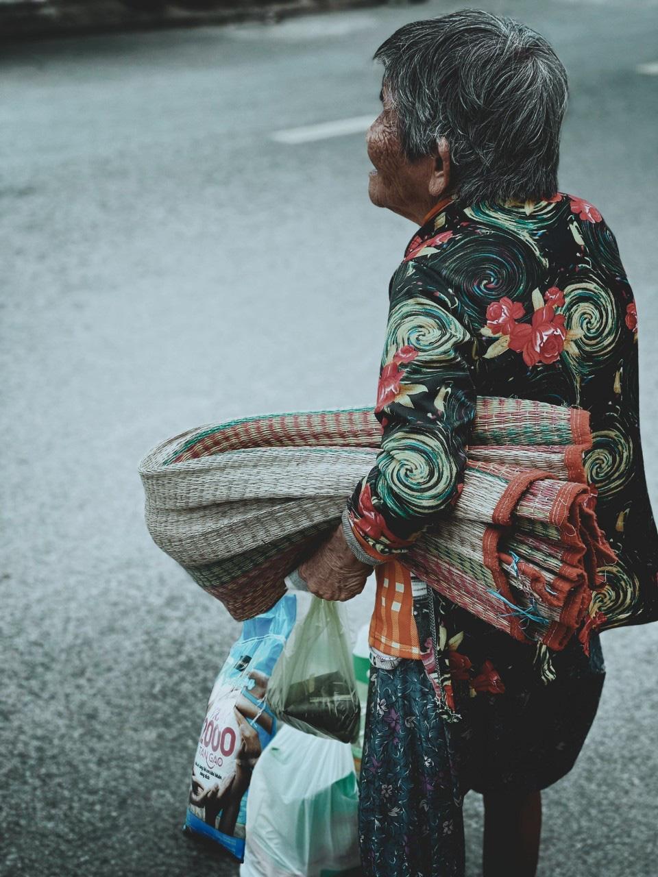 Chùm ảnh 2.000 tấn gạo lan toả yêu thương đi khắp miền Nam - Ảnh 9.