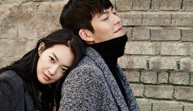Shin Min Ah đánh yêu Kim Seon Ho, Kim Woo Bin nhìn thấy có phát ghen - Ảnh 4.