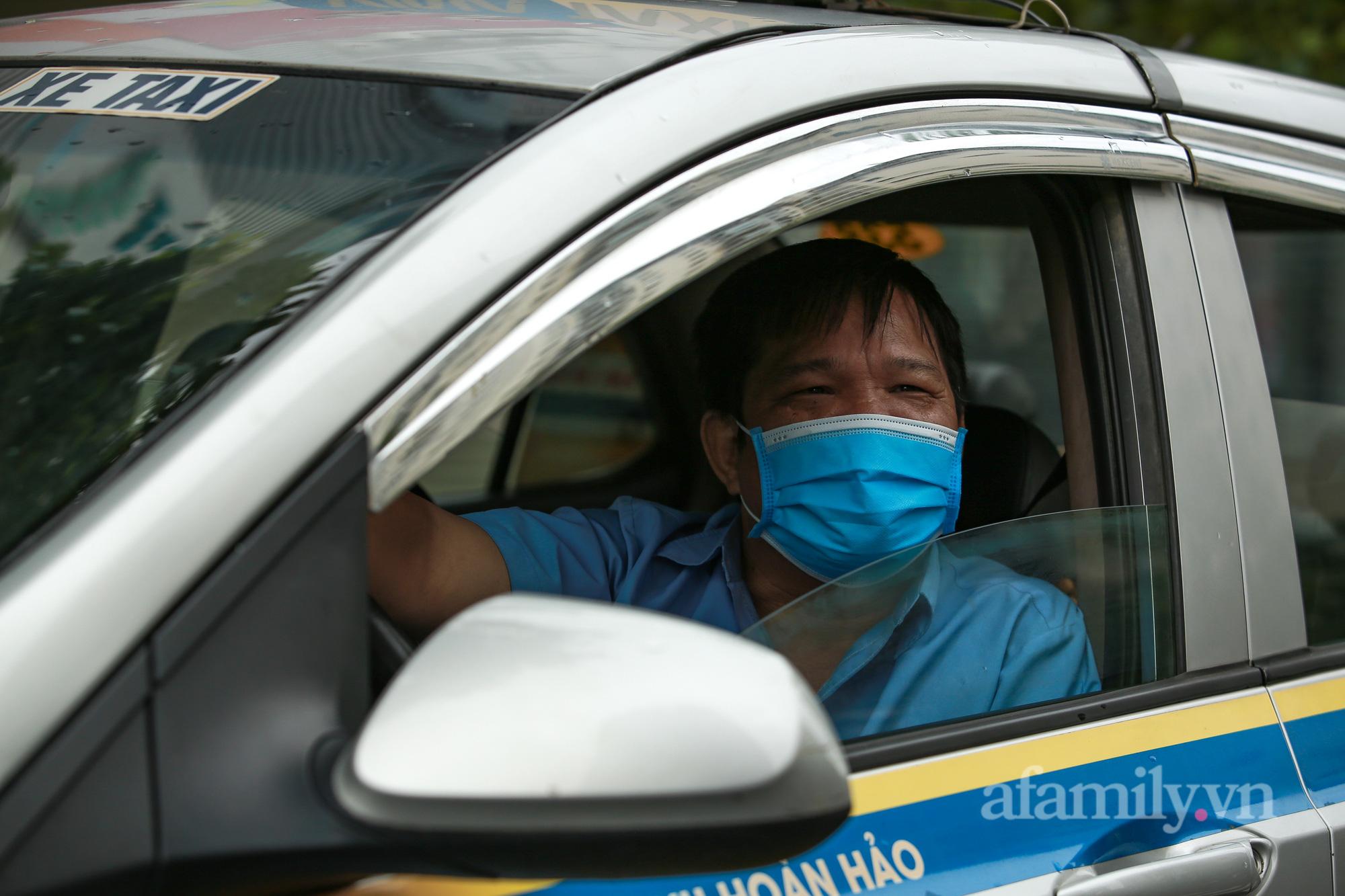 """Tài xế taxi như được sống lại khi được lái xe đi làm: """"Có thể trắng tay trong ngày đầu đi làm nhưng vẫn phấn khởi"""" - Ảnh 6."""