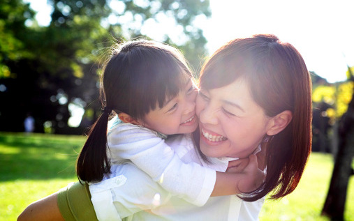 Nếu trẻ có 4 dấu hiệu này thì xin chúc mừng, bạn đang nuôi dạy con rất tốt, tương lai xán lạn ai cũng cảm mến