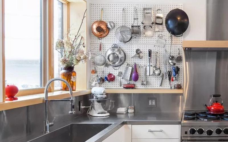 7 cách hay ho giúp chị em sắp xếp các bộ nồi nấu ăn gọn gàng và khoa học